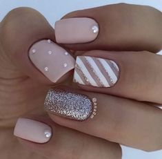There are three kinds of fake nails which all come from the family of plastics. Acrylic nails are a liquid and powder mix. They are mixed in front of you and then they are brushed onto your nails and shaped. These nails are air dried. Best Acrylic Nails, Acrylic Nail Designs, Striped Nail Designs, Square Nail Designs, Best Nail Art, Matte Nail Designs, Nail Polish Designs, Nagellack Design, Gorgeous Nails