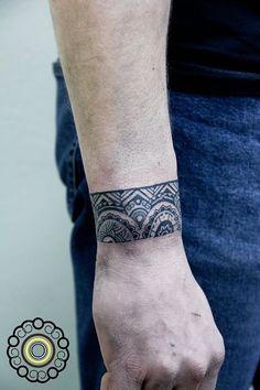 Polinesian tattoo bracelet