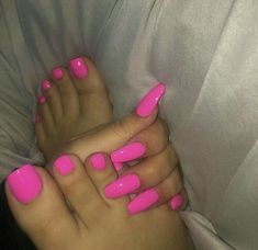 AcrylicNailsCoffin Manicure and pedicure and nail polish and coffin nails and toes - Coffin Nails Nails Ideias, Hair And Nails, My Nails, Pink Toe Nails, Bright Pink Nails, Manicure E Pedicure, Hot Pink Pedicure, Hot Pink Toes, Pedicures