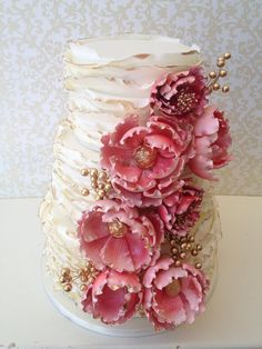 Featured Wedding Cake: One Sweet Slice; Daily Wedding Cake Inspiration (New!). To see more: http://www.modwedding.com/2014/07/29/daily-wedding-cake-inspiration-4/ #wedding #weddings #wedding_cake