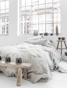 Minimalist Rustic Scandinavian Bedroom - Interior Design Ideas