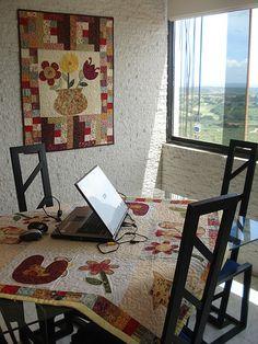 https://flic.kr/p/5cC38J | Assim é meu atelier , sala de internet, de jantar, etc....... aqui em Puerto Ordaz... | Trouxe algumas coisinhas do Brasil, e ja está ficando com meu jeito...