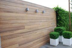 textures and colours (house) Back Gardens, Outdoor Gardens, Easy Garden, Home And Garden, Backyard Patio Designs, Garden Fencing, Fence Design, Outdoor Landscaping, Garden Inspiration