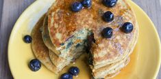 When you need a motherhood win, we've got your back with these blueberry oatmeal pancakes! Send them back to school right!