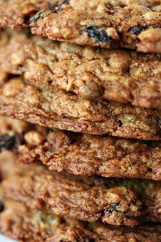Bouchon Bakery's Oatmeal Raisin Cookies     Amandeleine
