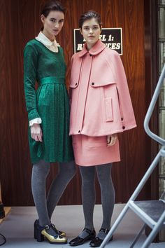Direkt von der H/W 15 Orla Kiely Fashion Show. Jetzt erhältlich: http://www.clarks.de/c/orla-kiely-schuhe