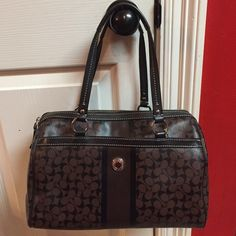 """⚡️MAKE AN OFFER⚡️Brown & Black Coach Purse Cute, classy, authentic brown/black Coach bag! Can be dressed up or down & goes with anything! ‼️REASONABLE OFFERS WELCOME‼️🚫NO TRADES🚫NO PAYPAL🚫Measurements: L 12"""" W 6.5"""" H 7.5"""" Coach Bags Totes"""
