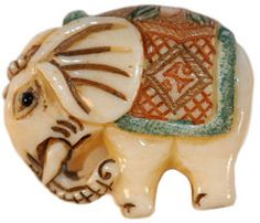 """7/8"""" Carved Bone Elephant Button (23mm) 