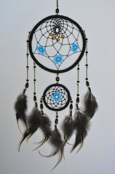 Black Dreamcatcher with Blue Stars - Dream Catcher for Boyfriend - Black Wall Hanging - Christmas Gi Dream Catcher Patterns, Dream Catcher Decor, Black Dream Catcher, Dream Catcher Boho, Dream Catchers, Diy Dream Catcher Tutorial, Dreamcatcher Wallpaper, Suncatcher, Rooster Feathers