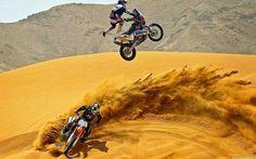 KTM Dakar racer Mark Coma doing freestyle on his rally bike alongside FMXer Ronnie Renner Ktm Dirt Bikes, Motocross Bikes, Sport Bikes, Dirt Biking, Suzuki Motocross, Sport Motorcycles, Ktm 450, Weekender, Rally Dakar
