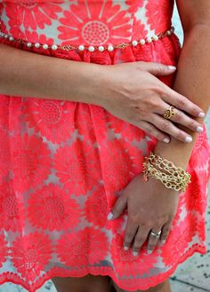 neon pink lace +  enter to win $145 of versastyle @mialisia jewelry! #ootd #summerfashion #mialisia #giveaway