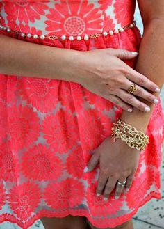 neon pink lace +  enter to win $145 of versastyle @mialisia jewelry! #ootd #summerfashion #mialisia #giveaway