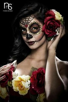 last minute costumes and a halloween party love the look, makeup hait, roses, I LOVE MY culture :) – Das schönste Make-up Sugar Skull Costume, Sugar Skull Makeup, Sugar Skull Art, Sugar Skulls, Halloween Make Up, Halloween Party, Halloween Face Makeup, Vintage Halloween, Costume Makeup