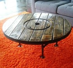Electric Spool Coffee Table          _No Spooling Around | Trashy Wench: The Queen of Creative Reuse