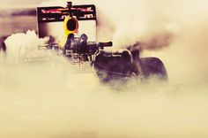 Daniel Ricciardo takes the RB7 for a spin in Buenos Aires