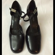 Ralph Lauren Sz 10 D'Orsay with wide heels. Stunning classy D'Orsay authentic Lauren by Ralph Lauren shoes. Ankle strap, black leather and a 3.5-inch heel.  Used once. Ralph Lauren Shoes Heels
