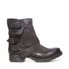 PUDDDLES BLACK LEATHER women's bootie flat casual - Steve Madden