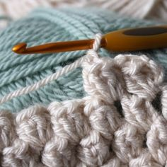 How to create texture with this easy crochet stitch - the popcorn stitch!