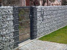55 Best Gabion Wall Stone & Fences That Will Decorate Your Beautiful Landscape A… - Zaun Ideen Gabion Wall Design, Stone Wall Design, Fence Design, Garden Design, Gabion Retaining Wall, Compound Wall, Landscape Walls, Outdoor Projects, Backyard Landscaping