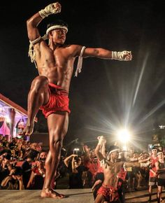 "5,457 Likes, 13 Comments - Muay Thai & MMA (@muaythaiandmma) on Instagram: ""Buakaw- living legend. Who loves Muay Thai? #ufc #mma #fitness #boxing #muaythai #kickboxing…"""