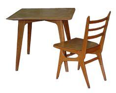 Autor: [Manuel Barbero y Artema]  Tipo: Mesa Año: 1953 Descipción: Cuadrada de madera. Ubicación Original: Antigua ubicación: comedor del Instituto Eduardo Torroja