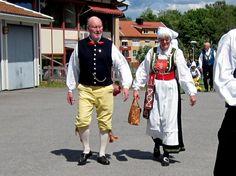 Villandsdräkt fest Folk Costume, Costumes, Sweden, Jackets, Collection, Fashion, History, Down Jackets, Moda