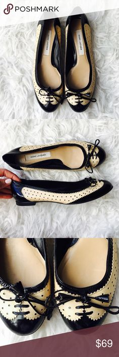 Marc Jacobs Leather Flats Super sweet ivory and black patent leather Oxford flats . In very good Condition. Size 36. No trades. Marc Jacobs Shoes Flats & Loafers