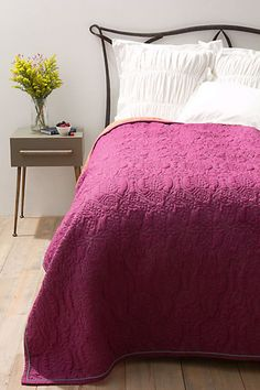 Damn you Anthropologie.  Gorgeous bedding that I don't want to pay 200 bucks for.