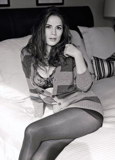 Hayley Atwell is a British-American actress known for The Duchess, The Prisoner, The Pillars of the Earth and as Peggy Carter in Captain America, Ant-Man and series Agent Carter and Agents of S. Peggy Carter, Michelle Dockery, In Pantyhose, Nylons, Pantyhose Fashion, Christina Hendricks, Hayley Elizabeth Atwell, Actrices Sexy, Olivia De Havilland