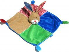 Doudou lapin carré vert bleu rose marron