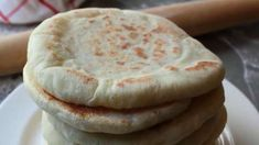 Pita bread making. Pita bread is one of the most useful recipes to have at home. Pita bread can be cut into wedges, toasted then used as chips or to make delicious sandwiches in the pocket stuffed with savory fillings. Bread Recipes, Cooking Recipes, Cooking App, Homemade Pita Bread, Homemade Tahini, Grilled Flatbread, Food Videos, Bakery, Food And Drink