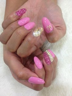 Barbie Color with Initial Fabulous Nails, Perfect Nails, Gorgeous Nails, Pretty Nails, Hot Nails, Pink Nails, Hair And Nails, Nails And Beyond, Asian Nails