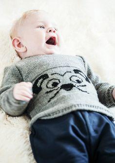 Gratis strikkeopskrift - strikket babybluse med mus på maven