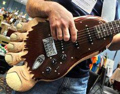 Muito legal 10 guitarras bizarrasTOP 10 guitarras bizarras parte 2 A algum tempo postamos as Top 10 guitarras bizarrase hoje colocaremos na rodamais um post deste série, afinal ...