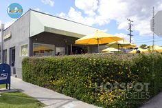 The Lemonade: 9001 Beverly Boulevard, West #Hollywood. Celebrities such as #EmmaWatson, Sarah Michelle Gellar or Lauren Conrad love the #healthyFood and have been spotted here | losangeles.hotspotphotos.com