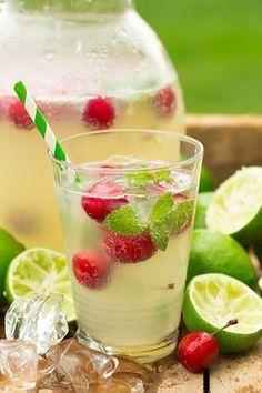 Honig-Limonade mit Kirschen #limonade #rezept #honig #honiglimonade