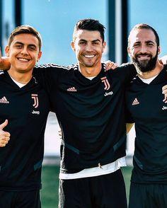 Juventus Fc, Juventus Stadium, Cristiano Ronaldo Juventus, Messi, Football Boys, Professional Football, Best Player, Champions League, Old Women