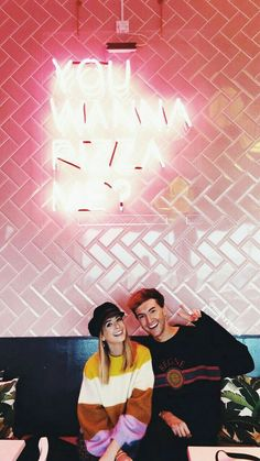 Zoe Sugg and Mark Ferris Zoella Style, Zoella Outfits, Mark Ferris, Zoe Sugg, British Youtubers, Just Video, Best Friendship, Friend Photos, Beautiful Person