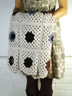 Jumbo Throw granny   free pattern from Berroco