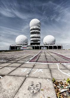 Berlin | Geteilte Stadt. Verlassene Kalten Krieges Spy Turm Teufelsberg