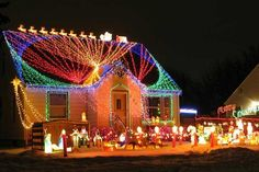 Outdoor Christmas Lighting Here is a slightly different post today. Looking at the outdoor Christmas lights throughout my neighborhood re. Christmas Roof Decorations, Outdoor Christmas Light Displays, Best Christmas Lights, Christmas Light Installation, Hanging Christmas Lights, Tacky Christmas, Xmas Lights, Decorating With Christmas Lights, Holiday Lights