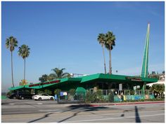 Wich Stand 1958 by architects Armet + Davis 4508 W. Slauson Avenue Los Angeles Googie Style