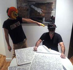 "Santiago Morilla signing his new silkscreen ""End"" www.guntergallery... #artprint #silkscreen #arthunter #serigrafia #instaart #art #graphicart #serigraphy #printing #streetart #guntergallery #illustration #screenprint #ilustracion #cosasbonitas #gift #artgift #unique #picoftheday #artshop #dyingart #artlovers #illustrator #decoracion #decoration #artejoven #artcollection"