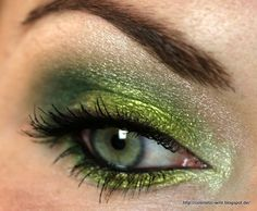 BH Cosmetics Take Me to Brazil Tutorial - the greens