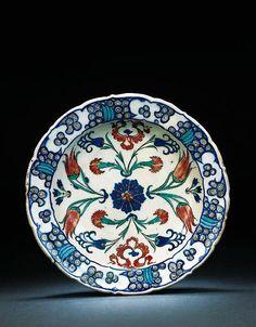 An Iznik pottery dish OTTOMAN TURKEY, CIRCA 1565: