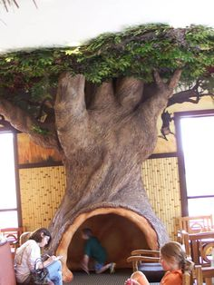 A tree to hang out in.love this classroom tree! Jungle Tree, Jungle Room, Classroom Tree, Classroom Decor, Paper Mache Tree, Fake Trees, Stage Props, Church Stage Design, Tree Sculpture