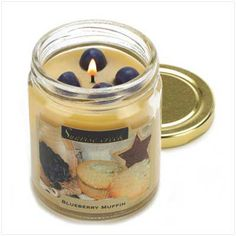 "savory scents ""blueberry muffin scent""	   Description   Begin the day with the luscious scent of home baked blueberry muffins... the aroma is oh-so-tempting! Long-burning candle is playfully topped with colorful faux blueberries."