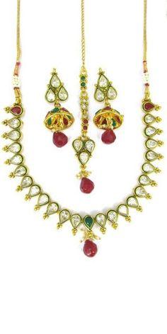 Glowing Silver Stone Necklace Earrings Set.