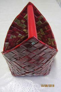 Origami And Quilling, Korn, Basket Weaving, Paper Art, Wraps, Wicker, Hampers, Paper Envelopes, Bags