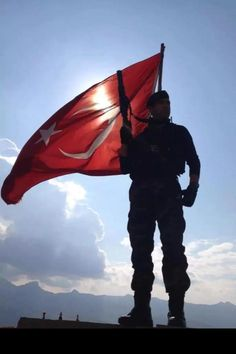 #KonuVatansa gerisi teferruattır... Turkish Military, Turkish Army, Turkish Soldiers, Visit Turkey, Istanbul Travel, Flags Of The World, Ottoman Empire, Turkish Actors, Special Forces
